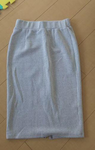moa ミディアムタイトスカート