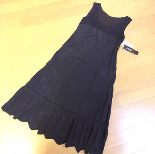 DKNY シルク ワンピース 黒 USサイズ2