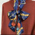 スカーフ付ニットプールオーバー