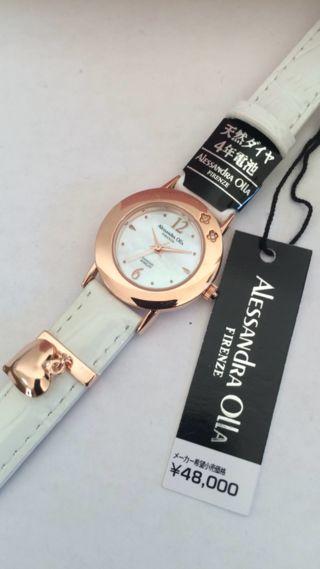 アレッサンドラ オーラ レザーベルト腕時計