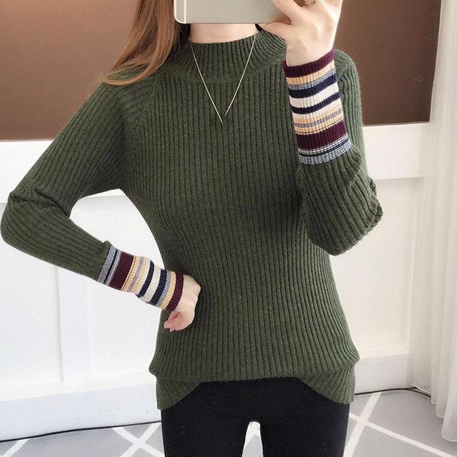 プチタートルネックセーター