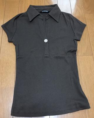 美品美ラインビジューボタン付きポロシャツ