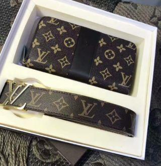 注目された美品!素敵長財布+ベルト二点セット
