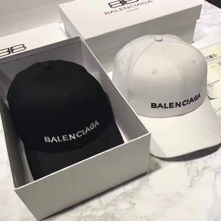 バレンシアガ 帽子 大人気 セレブ愛用