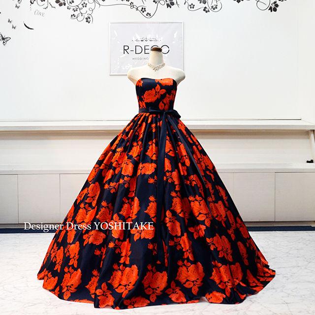 ウエディングドレス(パニエ無料) 濃紺ベース/赤い花柄