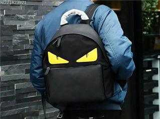 ヴェルサーチリュックバックバック 鞄 旅行 通勤 便利