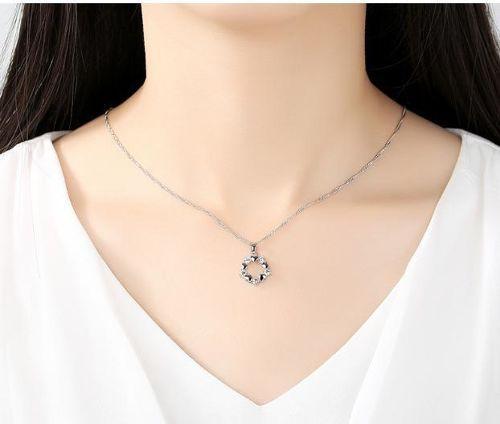パープルCZダイヤモンドとハートモチーフネックレス
