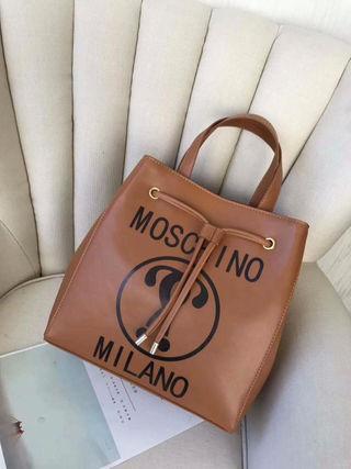 Moschino新品 ショルダーバッグ4色