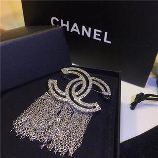 Chanelシャネル可愛いブローチ 人気 プレゼント