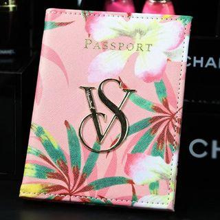 ヴィクトリアシークレット パスポートケース