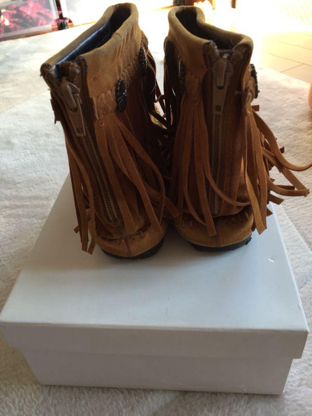 ミネトンカ ブーツ