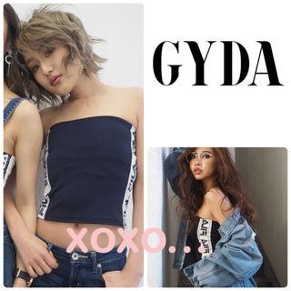 新品 GYDA FILA グラフィックラインベアトップ