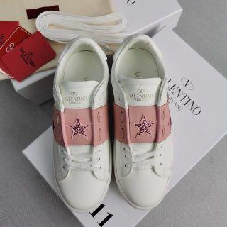 人気新商品 Valentino スニーカー