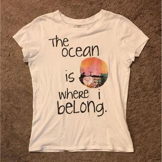 ROXYのTシャツ