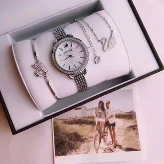 SWAROVSKI 人気機械腕時計 シャレな注目の腕時計