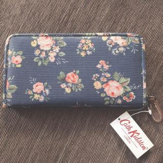 【新品未使用】キャスキッドソン 花柄長財布