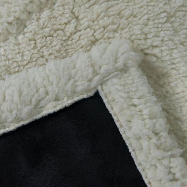 秋冬にはカシミヤの毛布が必要 です