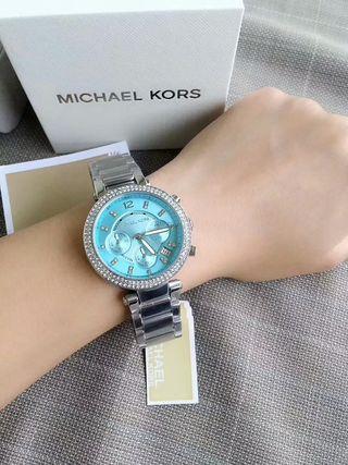 シャレな腕時計 マイケルコース国内発送