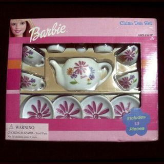 激レアBarbie(バービー)China Tea Set