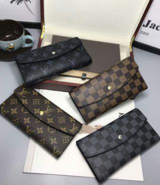 経典的な美品!大人気長財布