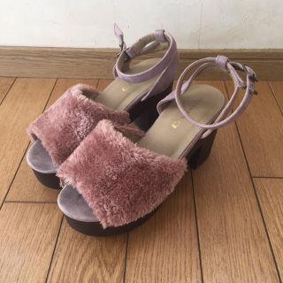 エムズエキサイト ファーサンダル 靴