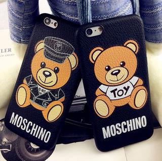 モスキーノのiPhoneケース