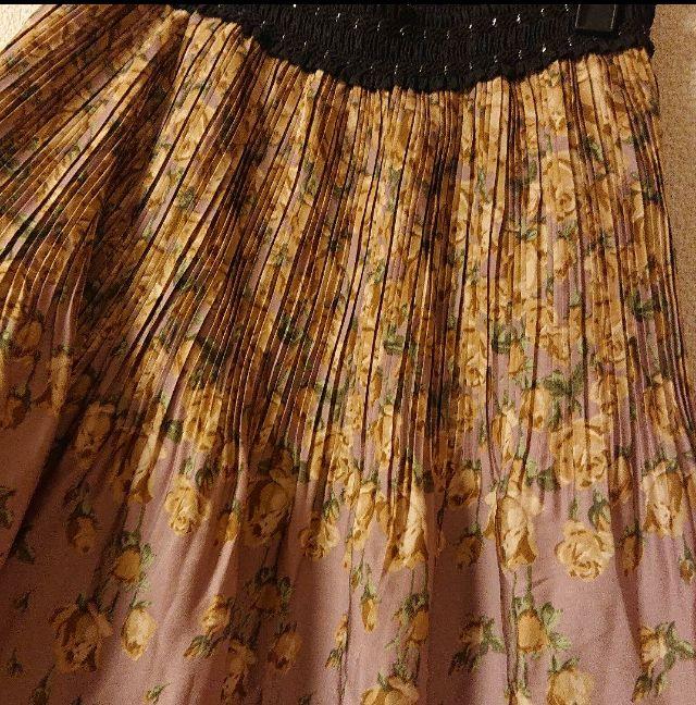 :/axes femme*プリーツお姫様系薔薇柄スカート