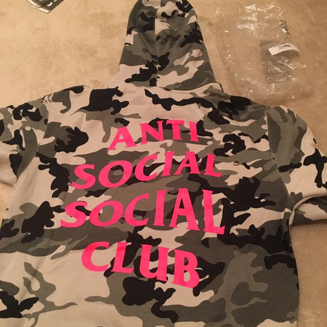 Anti Social Social Club パーカー(ANTI SOCIAL SOCIAL CLUB(アンチソーシャルソーシャルクラブ) ) - フリマアプリ&サイトShoppies[ショッピーズ]