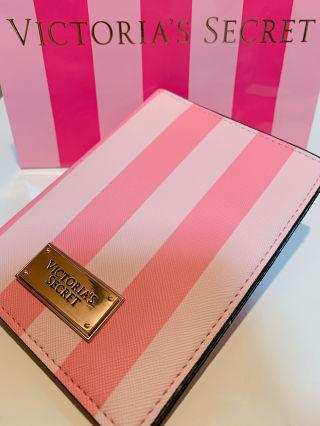 Victoria′s Secretパスケース