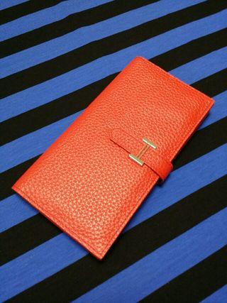 ベアン二つ折り長財布赤色