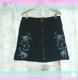 新品未使用大きいサイズアベイル花柄スカート