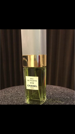 美品CHANEL NO19 100ml