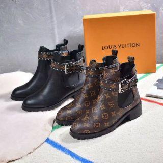 国内発送。高品質ブーツ