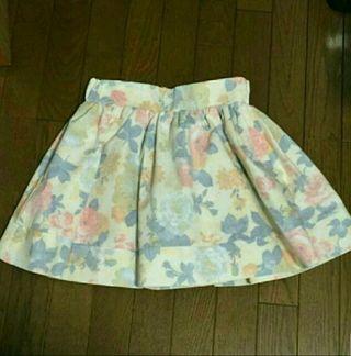 新品ROJITA淡色花柄ミニスカート