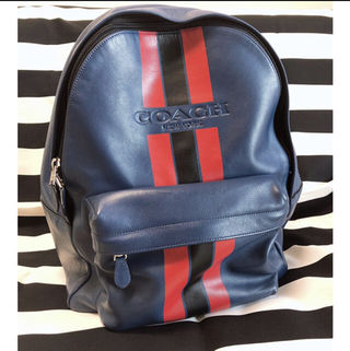 COACH のリュックバッグ