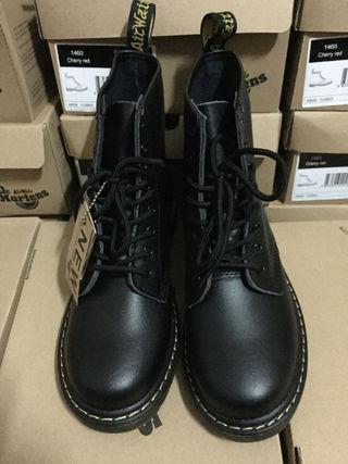 ドクターマーチンDr.Martensブーツ8ホール靴黒
