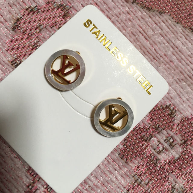 ピアス VUITTON(Louis Vuitton(ルイ・ヴィトン) ) - フリマアプリ&サイトShoppies[ショッピーズ]
