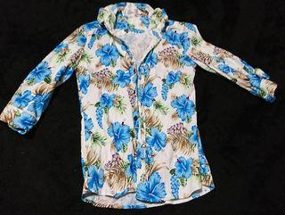 花柄シャツ