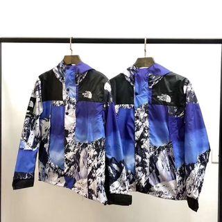 Sup×ノースフェイスMountainシリーズのジャケット