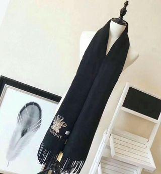 ファッションデザイン!BURBERRY 綺麗スカーフ