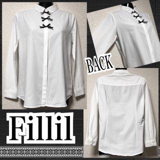 【新品/Fillil】クリンクル加工胸元3連リボン付シャツ
