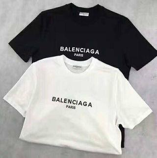 新入荷 バレンシアガ 人気Tシャツ 半袖 男女兼用01