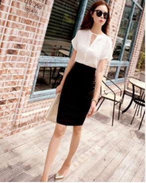 黒 Mサイズ 美脚 パンツ付き 美尻 スカート