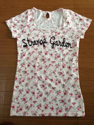 送料込  magender花柄Tシャツ