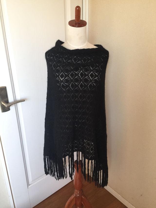 DKNYの編み編みポンチョ無料でつけます