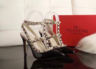 国内発送。爆売り バレンチノ パンプス Valentino