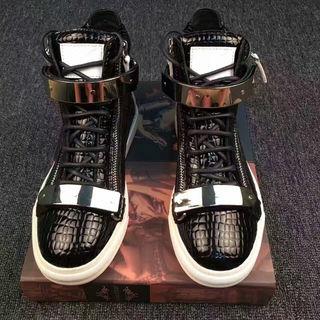 送料無料クリスチャンルブタン人気靴