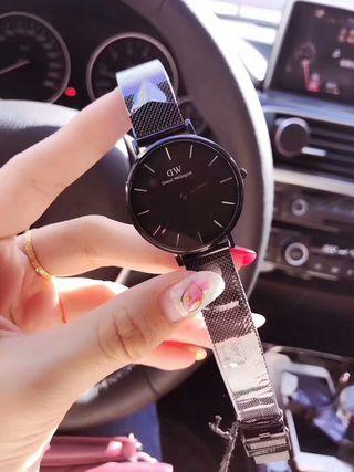 【早い者勝ち】人気新品 DW シャレな腕時計