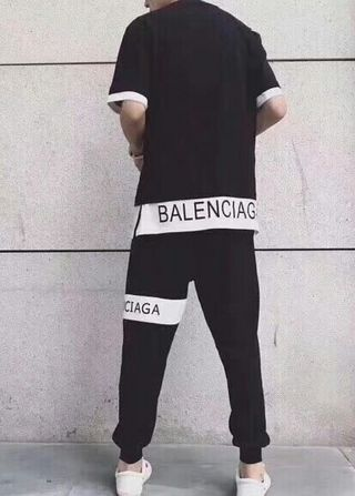 バレンシアガ定番人気 ファッションのTシャツ 男女兼用