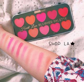 日本未発売Heart Blusher Palette
